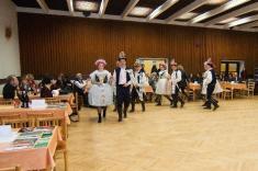 Obecní krojový ples